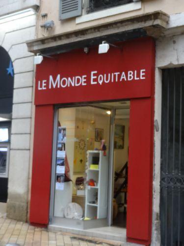 Maison Du Monde Villefranche Sur Saone.Le Monde Equitable Maison Decoration Mode Accessoires